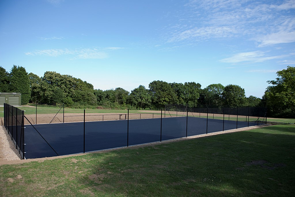Tennis_Court_2009_POP3783.jpg